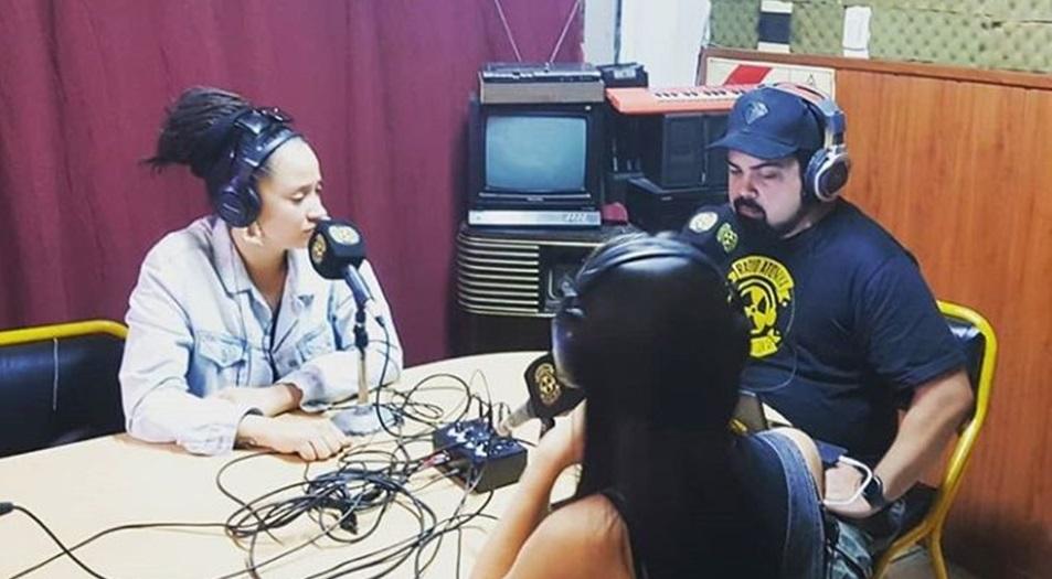 Alika en Radio Atomika